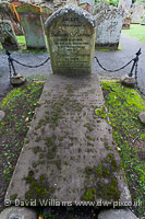 William Burnes` grave, Kirk-Alloway, Alloway.